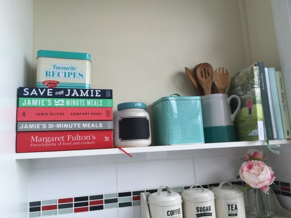 I do have some of my favourite hardcover cookbooks in the kitchen that i sorted out a month or so ago, and could probably add one or two more here.I have saved this spot for my real favourites and for the Thermomix ones.